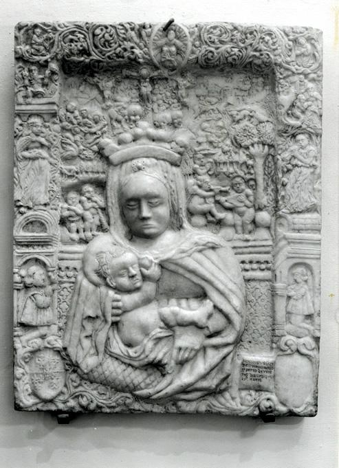 Fig. 2, Il rilievo di Antonio di Pietro presso il Museo della Cattedrale nel 1978