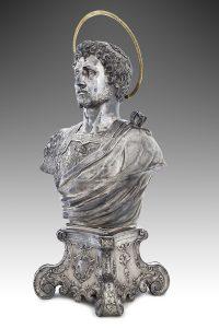 Fig. 2, Argentiere milanese e Zanobio Troni Busto di san Giorgio, busto 1600 ca., basamento 1726, Ferrara, Museo della Cattedrale, inv. MC097