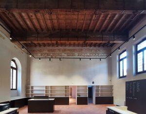 Fig. 10 - Sala bookshop-biglietteria, ex loggiato, a restauro concluso