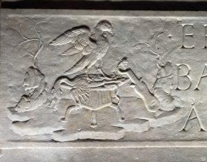 Fig. 4 - Sarcofago di Prisciano Prisciani, Sperandio Savelli (c.1425-1504), marmo scolpito, (part.)